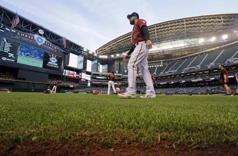 D-backs focusing on staying at Chase Field