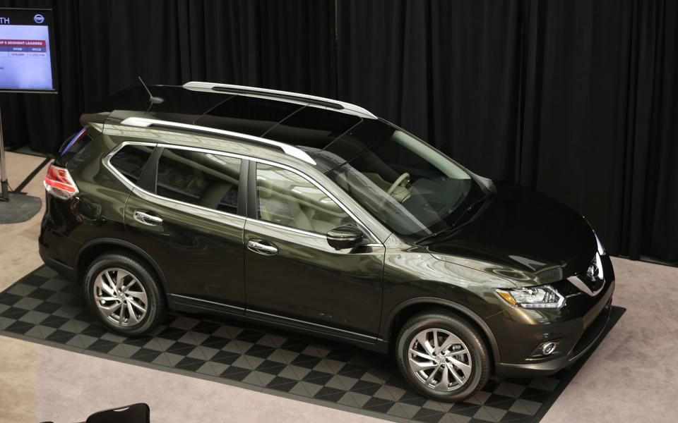 nissan rogue in photos 13 hottest crossover suv lease deals forbes. Black Bedroom Furniture Sets. Home Design Ideas
