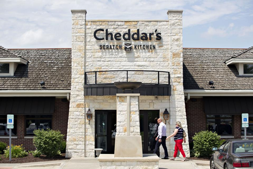 The Franchise News Briefs: Cheddar's Scratch Kitchen Gets Hacked