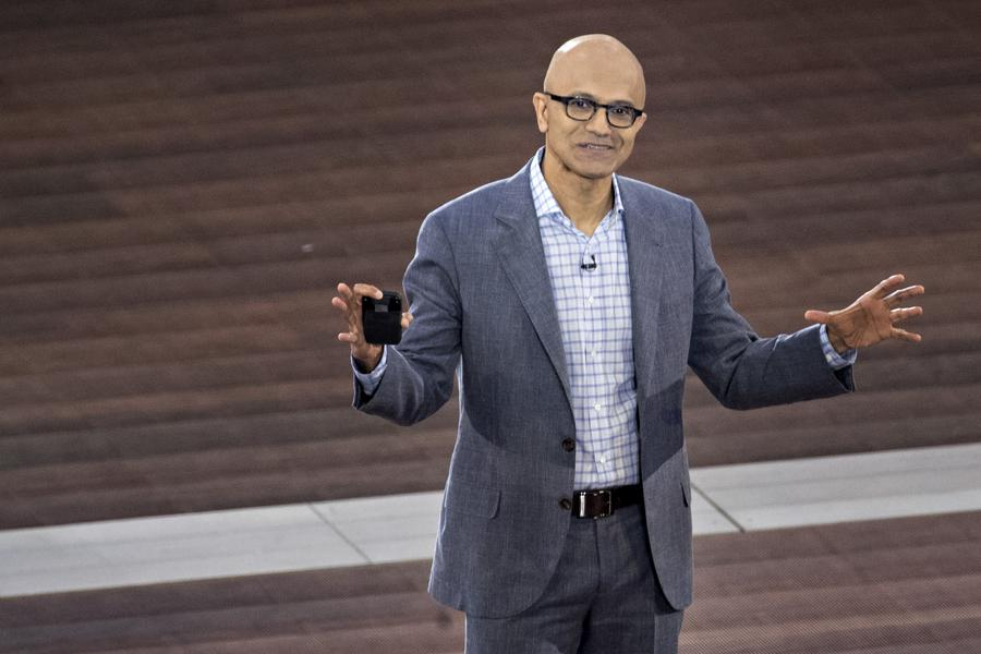 Top Microsoft Investor Recommends Buying More