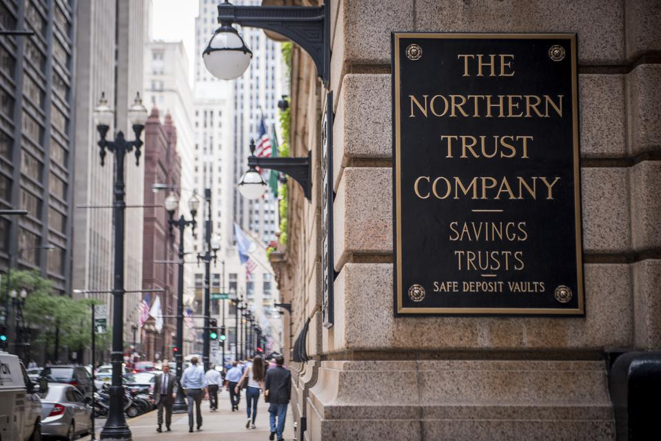 NORTHERN TRUST EARNS