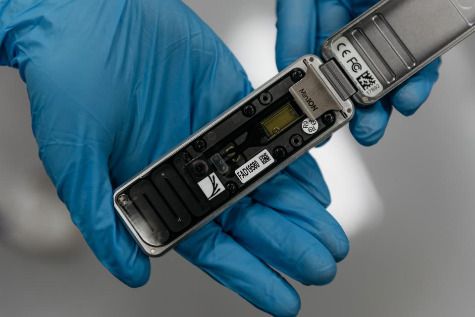Oxford Nanopore MinION DNA sequencer