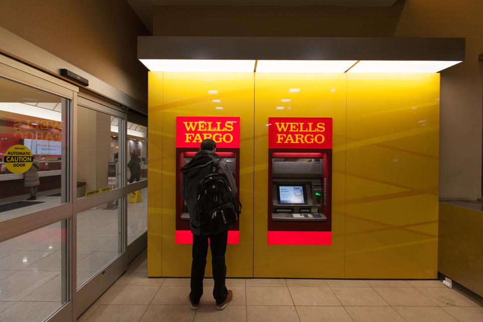 Wells Fargo Predicts That Robots Will Steal 200,000 Banking Jobs Within The Next 10 Years