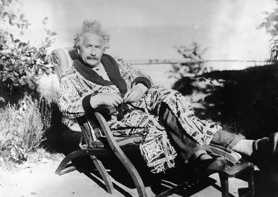 General Relativity And The 'Lone Genius' Model Of Science