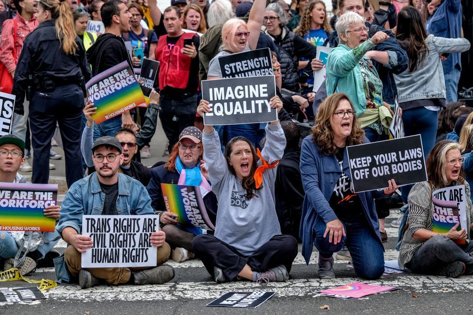 LGBT EMPLOYMENT