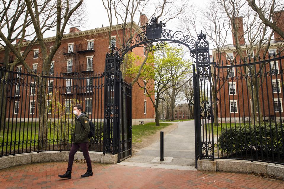 BOSTON COLLEGES