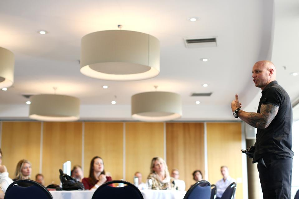 14 Keys to Making Any Leader a Compelling Public Speaker
