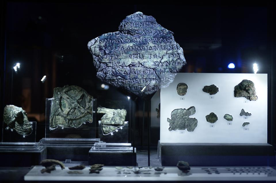Digital Archaeology Digest: Medieval Manuscripts, The Antikythera Mechanism And The Sounds Of Paris