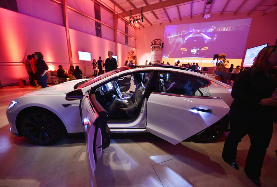 Tencent's Tesla Purchase A Sign Of Confidence But No Extra Cash For The Model 3