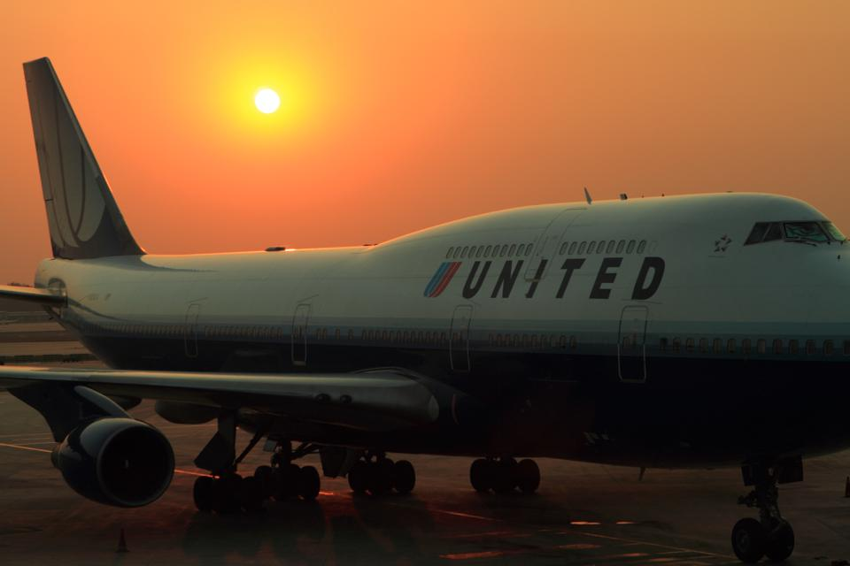 United Airlines in the sunset