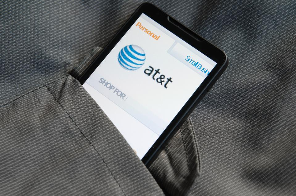 Smart phone with AT&T.com site in the pocket