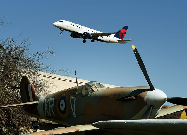 Delta Air Lines Goes To War With Travel Agents