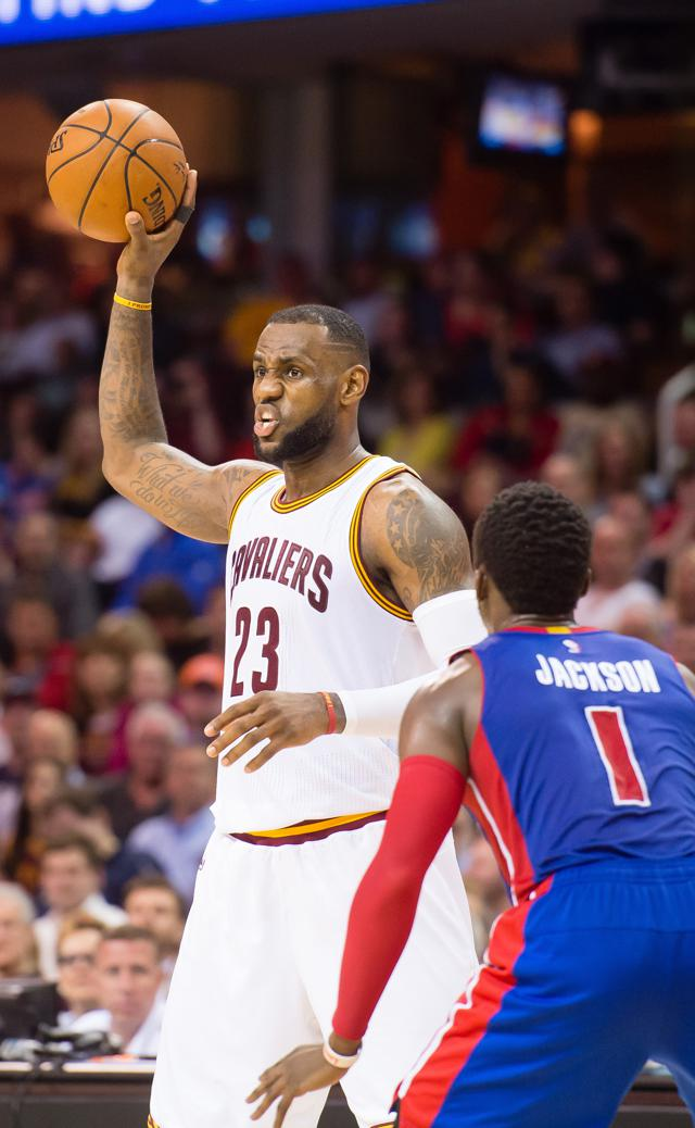 LeBron James Tops 2015 Top-Selling NBA Jerseys