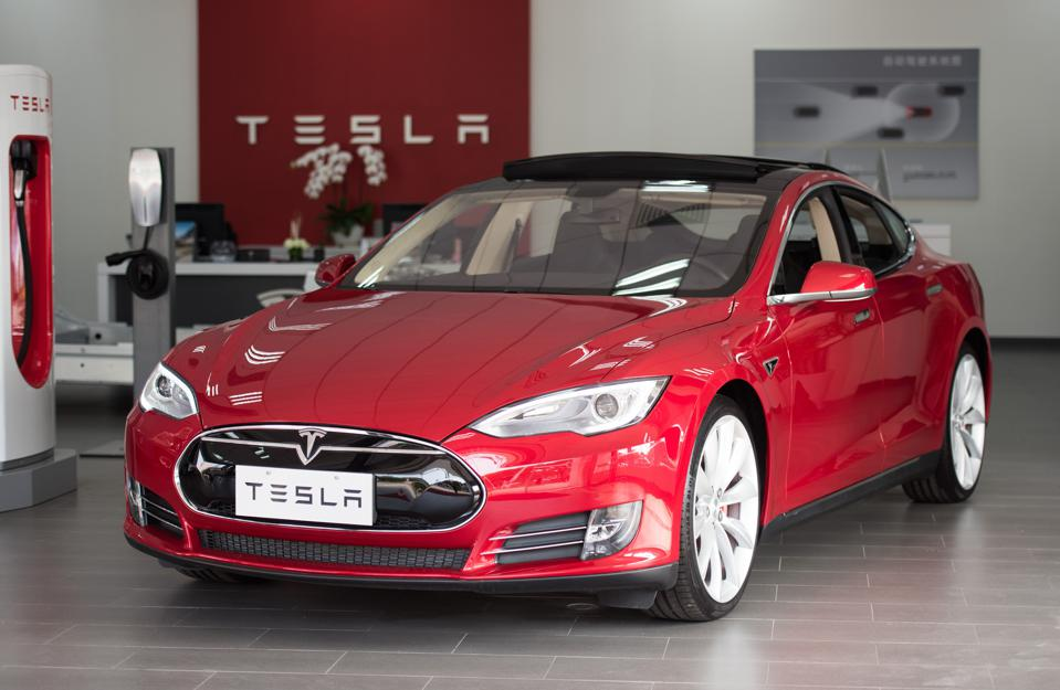 tesla 39 s autopilot is finally everywhere after hong kong approval. Black Bedroom Furniture Sets. Home Design Ideas