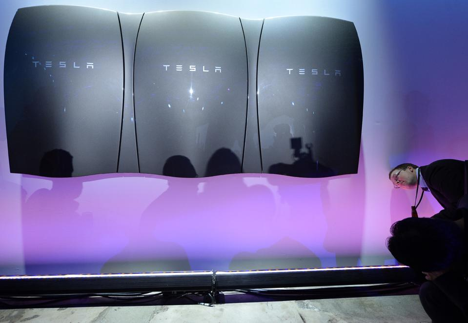 Tesla's Battery Business Profits In Its First Quarter, Elon Musk Says