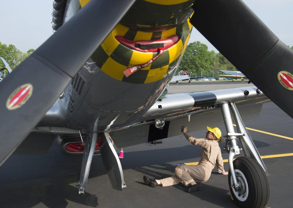 US-FEATURE-WW2-AIRCRAFT