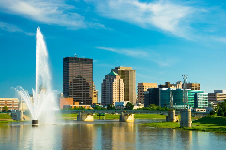Dayton skyline with fountain
