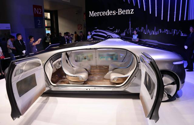 'Our Kids Will Not Believe Humans Ever Drove Cars': The Real Question About Driverless Autos