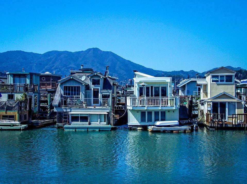 Visitez les célèbres maisons flottantes de Sausalito, en Californie