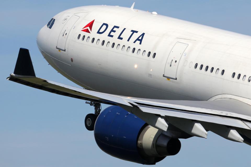 Самолет Delta Air Lines Airbus A330-300