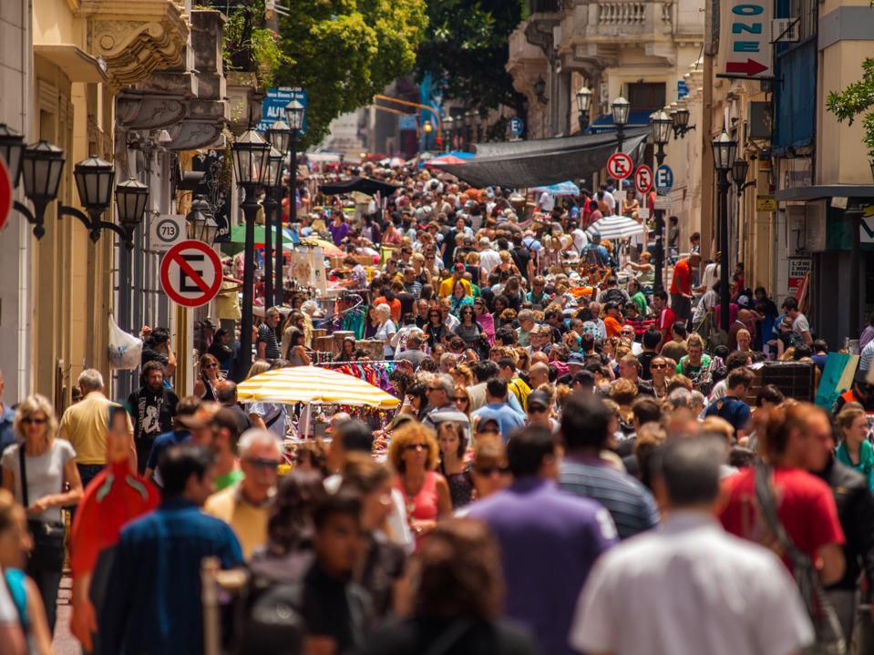 Crowdes at the San Telmo Sunday street Market, Buenos Aires