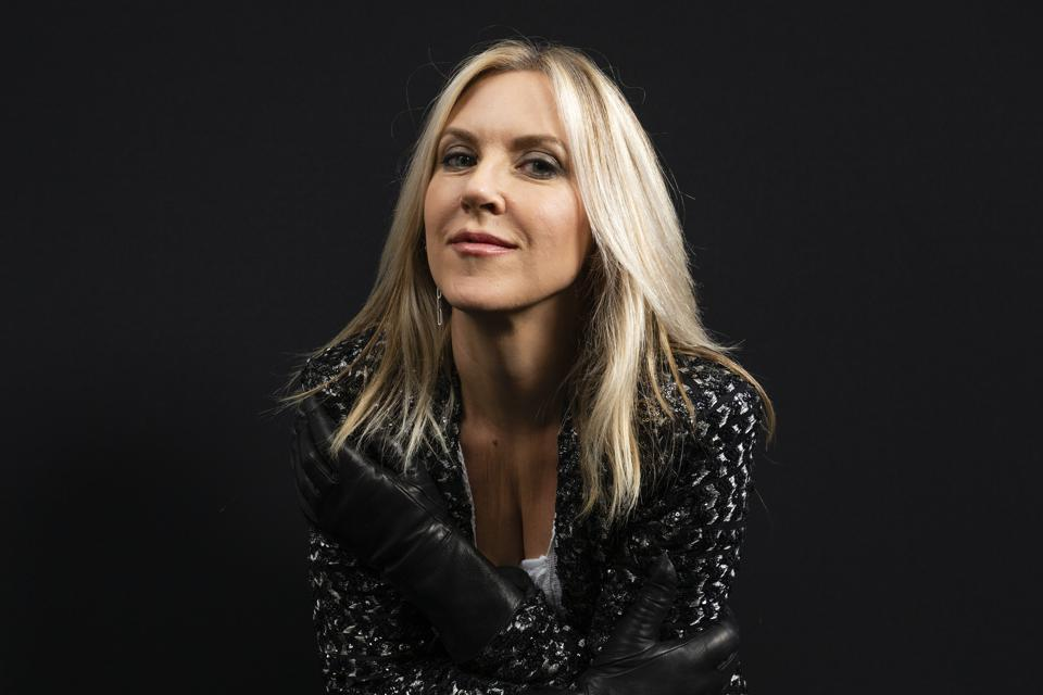 Liz Phair On New Book Horror Stories, Revisiting Partnership With Brad Wood On Latest Single And Leaving Fans With A Sense Of Hope