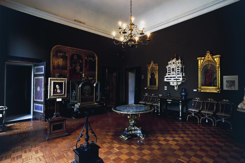 Black Room...