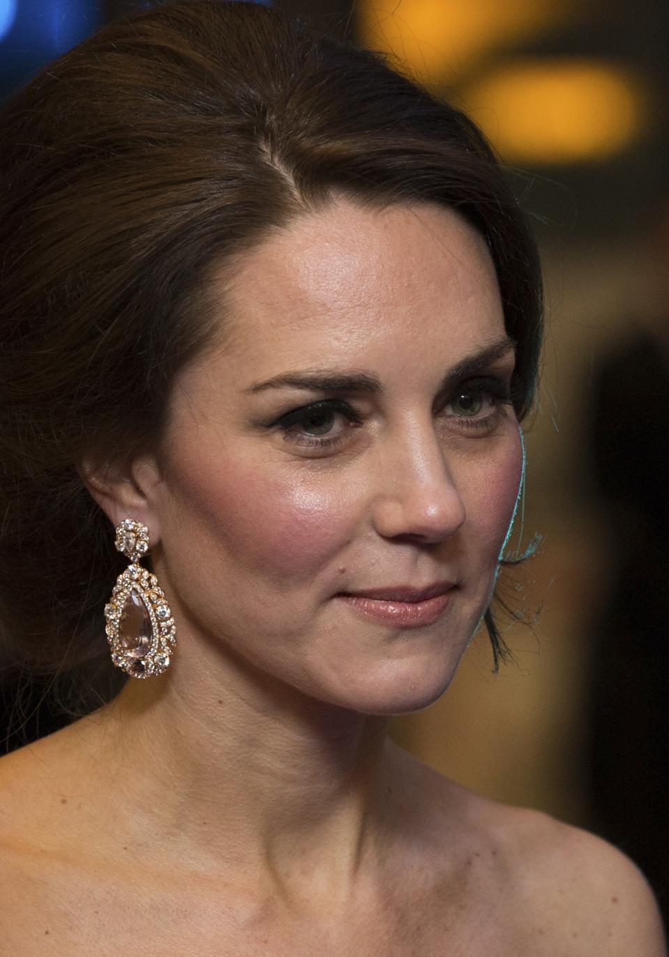 Bafta Jewels Kate Middleton S Mystery Earrings Nicole