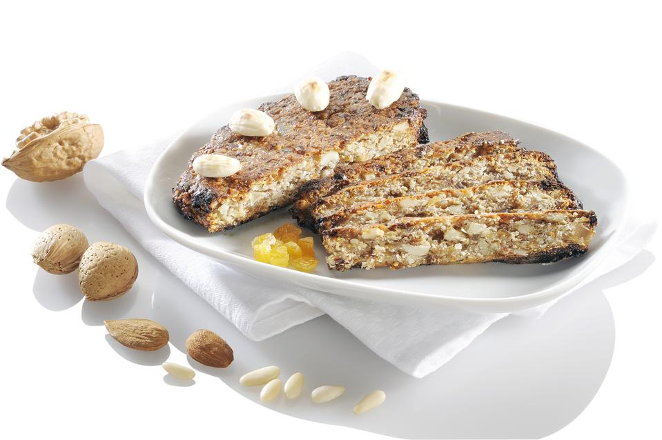 Zelten, bread with candied fruits and nuts...