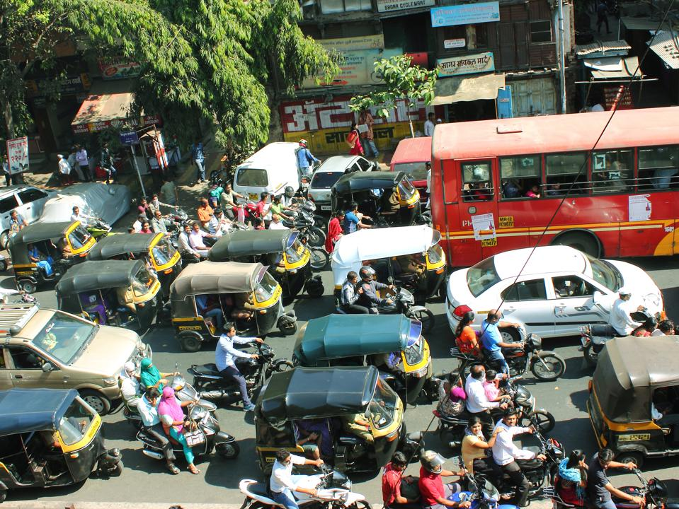 Traffic in India versus say the United States involves oftentimes differing driving practices.