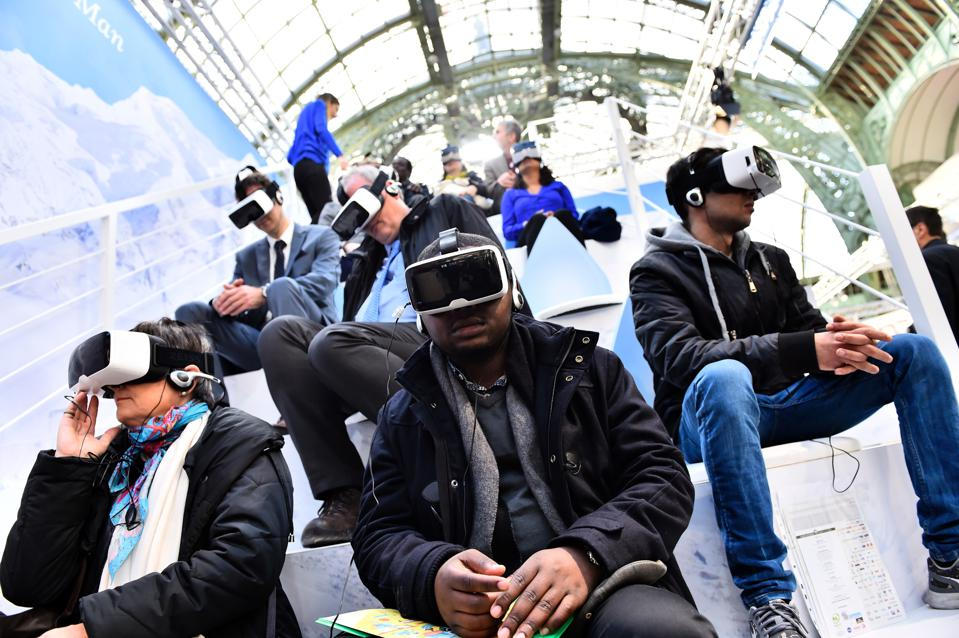 Remember 3D TV? Why 2016 Will Not Be The Year of Virtual Reality