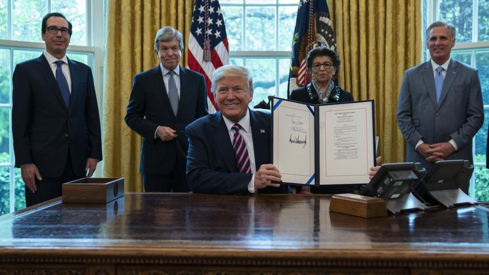 Trump signs CARES Act PPP extension stimulus bill
