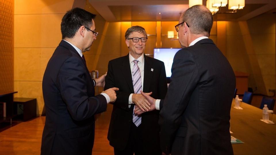 Arda Turan meets Bill Gates