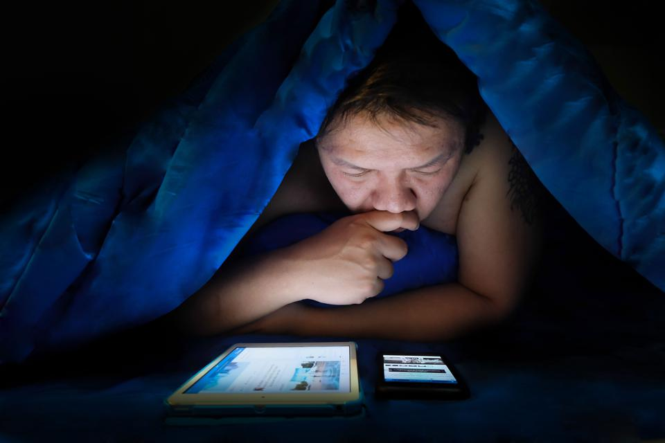 Smartphones And Tablets Don't Make Good Bedfellows For Children And Teens