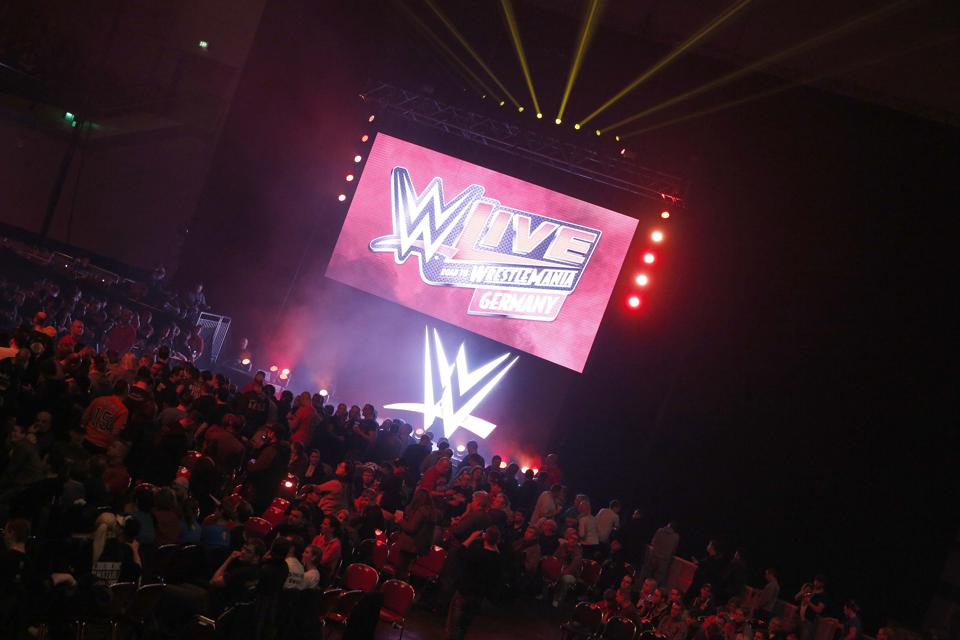 WWE Germany Live  Bremen - Road To Wrestlemania