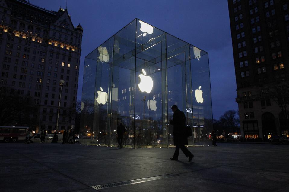 FBI Can Use Dead Suspects' Fingerprints To Open iPhones -- It Might Be Cops' Best Bet