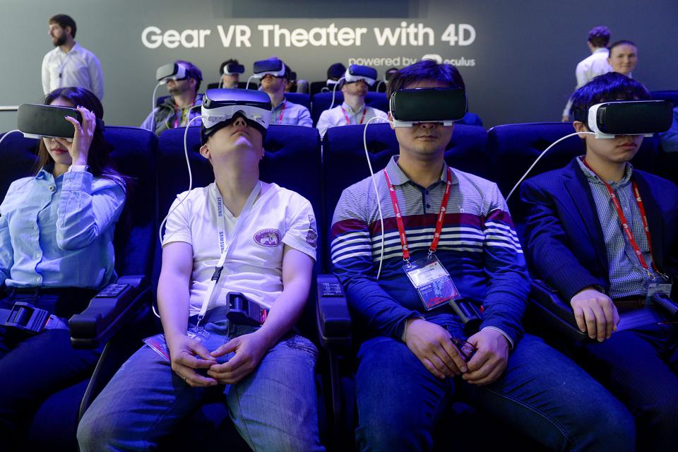 Virtual Reality Will Save Retail