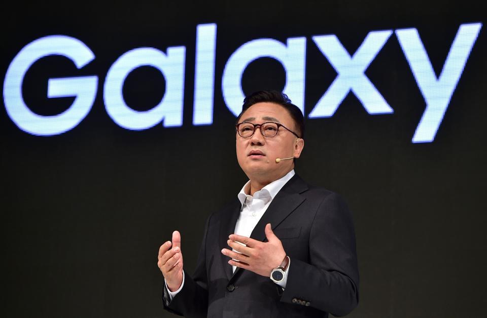 Android Circuit: Samsung Reveals Android Secret, Galaxy Note 6 Leak, Blackberry's Smartphone Mistake