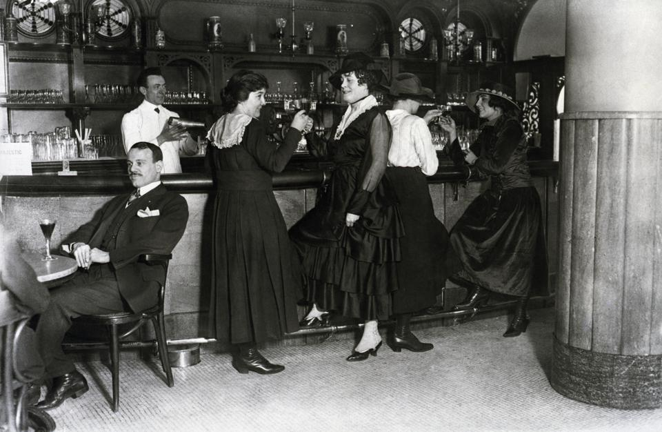 Women Drinking at Bar in the Hotel Majestic