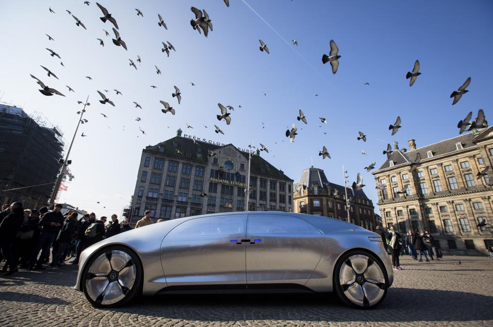 How Driverless Cars Will Take Over Roads, Hearts And Minds