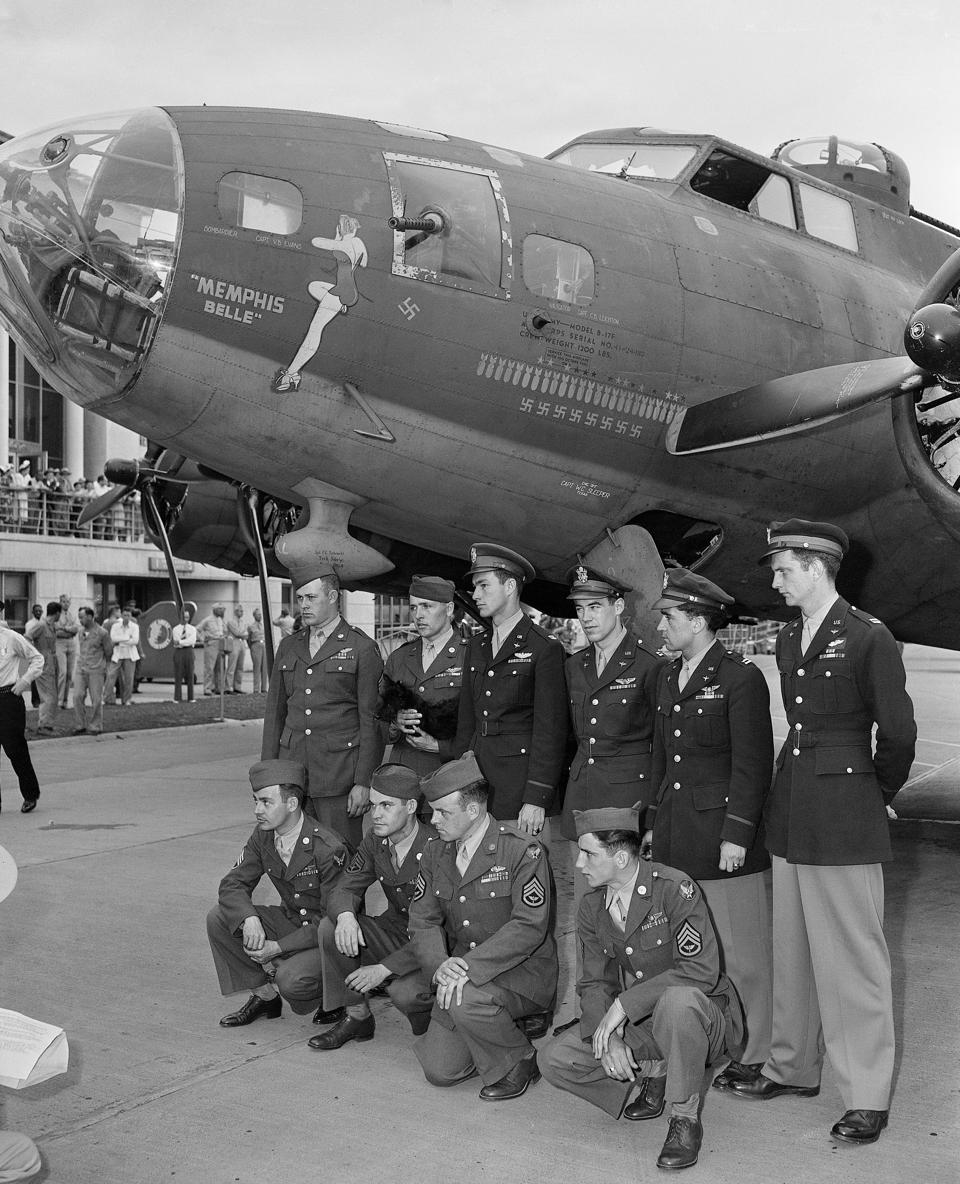 Crew of The Memphis Belle Aircraft