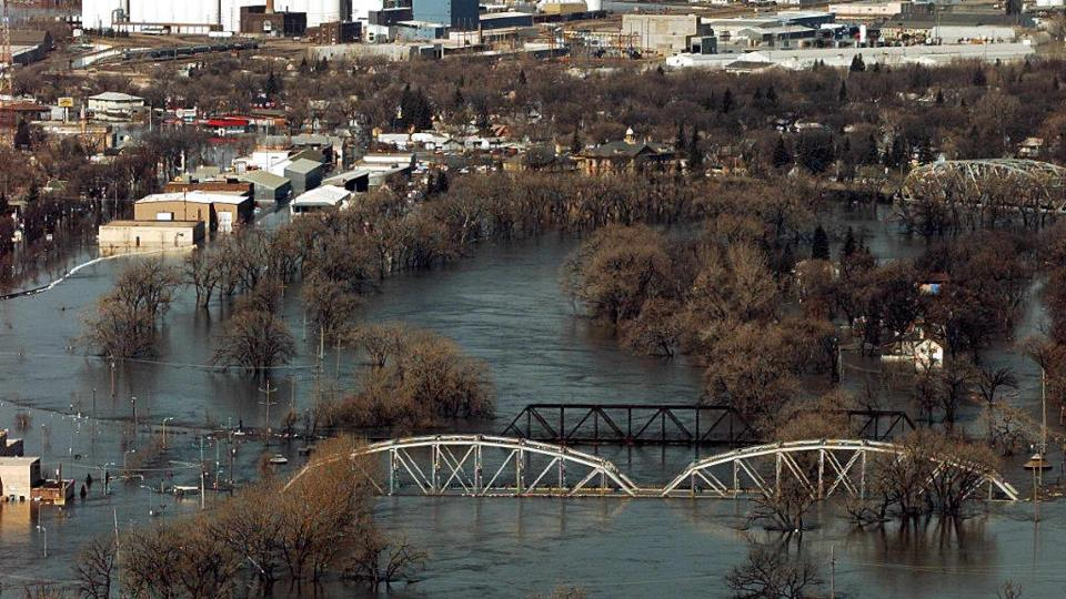 Flooding from the Red River in Grand Forks, ND, ca