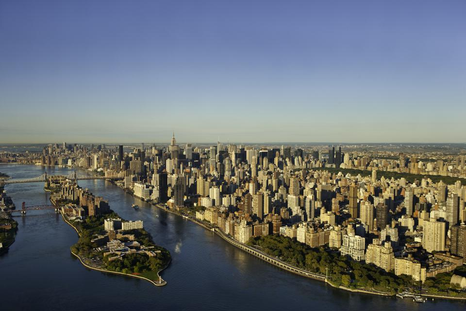 Roosevelt Island and Manhattan Skyline, New York