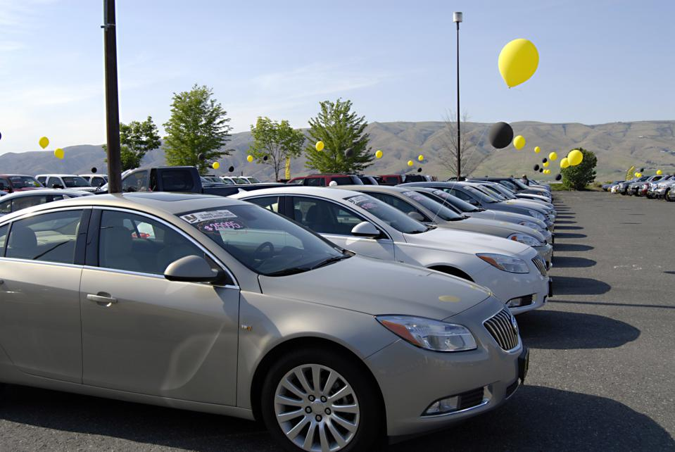 Outdoor car sale in Lewiston,Idaho