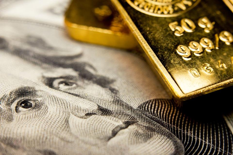 Banknote and a gold bullion