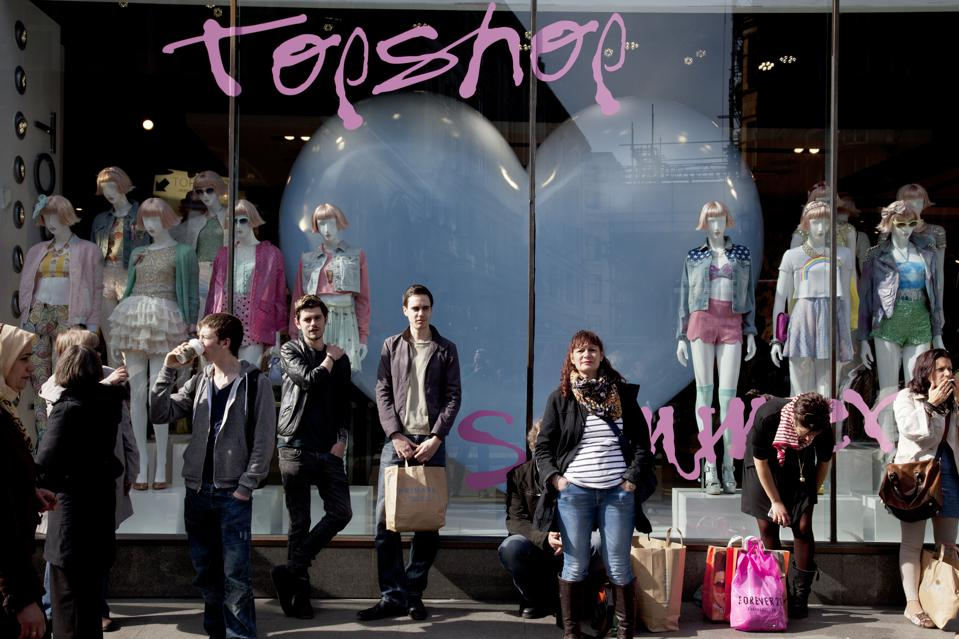 UK - Economy - Shoppers in central London on Oxford Street