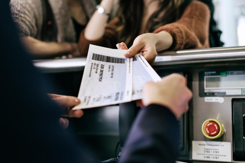 How do you avoid airline ticket change fees?