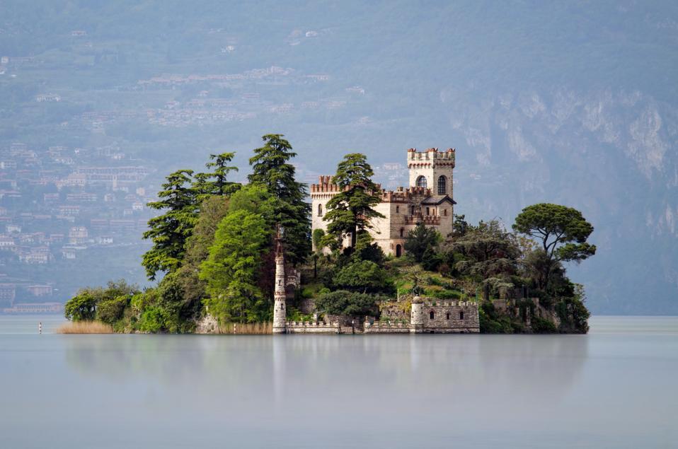 6 Ways To Enjoy This Amazing Insider Italian Lake Now