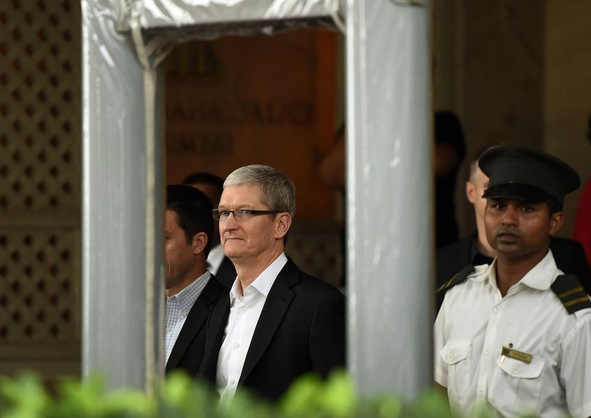 It Might Require PM Modi To Intervene Directly For Apple To Set Up Manufacturing In India
