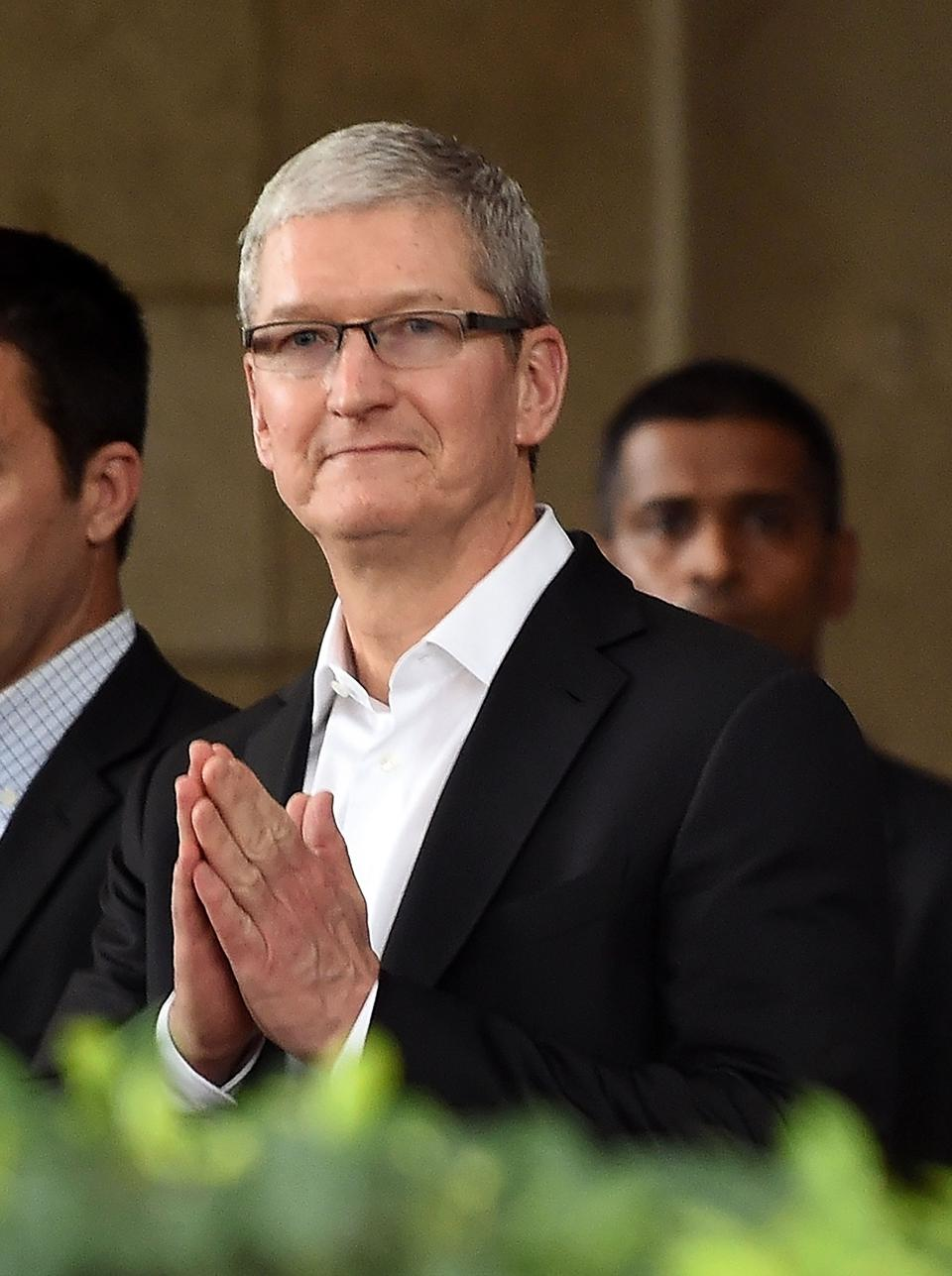 Apple Investor Weekly: New Debt, WWDC Financial Impact And Valuation Analysis